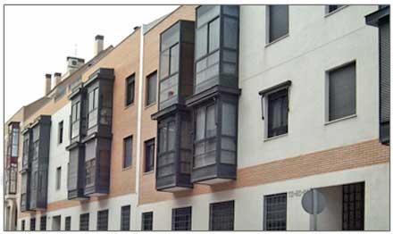 Pisos estudios y apartamentos en campamento colonia for Alquiler bajo con jardin madrid